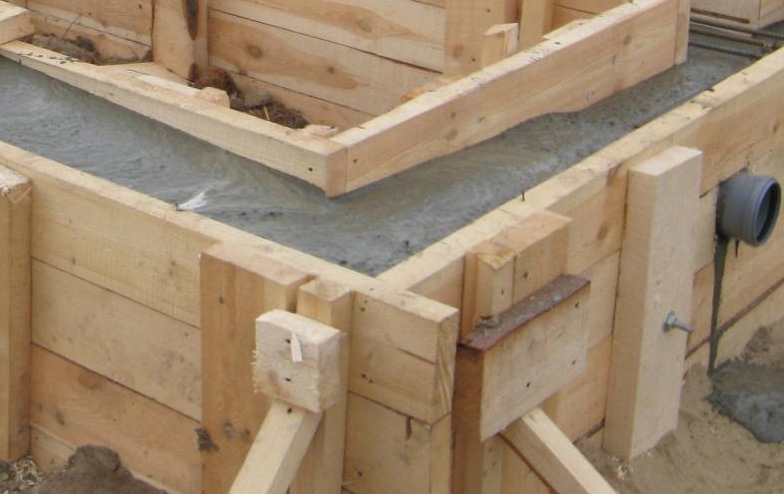 Фундамент на жб сваях под ключ в Подольске